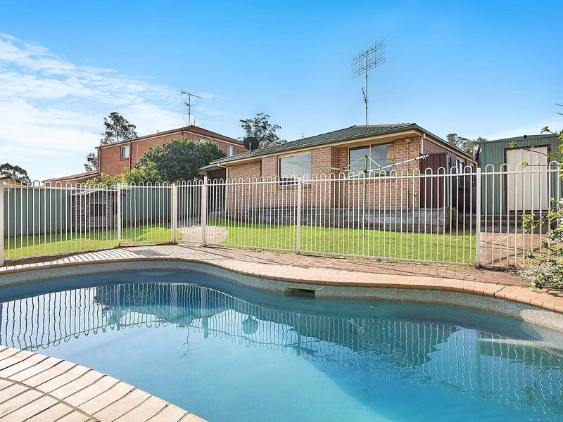 12 Francis Place, Currans Hill