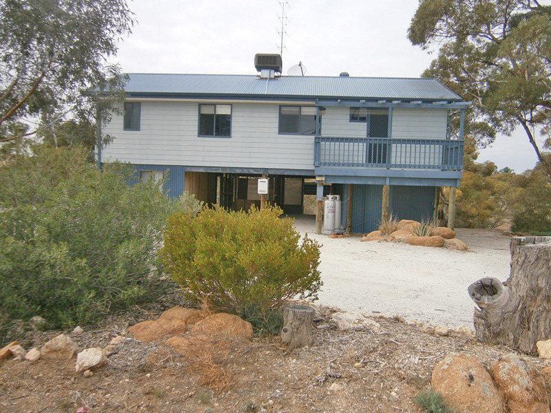 13 North Terrace, Blanchetown, SA 5357