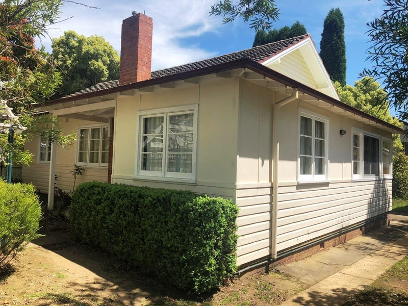 11 Sheffield Road, Bowral, NSW 2576