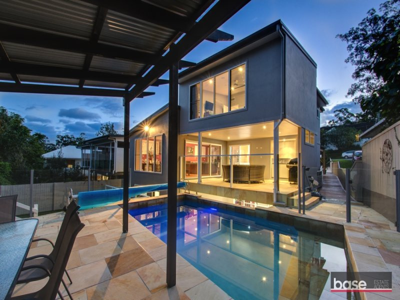 20 Eleventh Avenue, St Lucia, Qld 4067