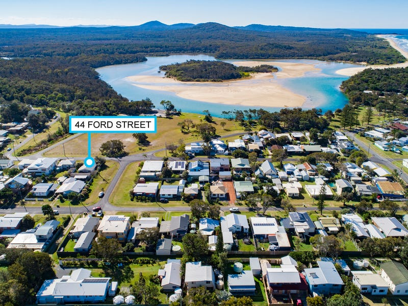 44 Ford Street, Red Rock, NSW 2456