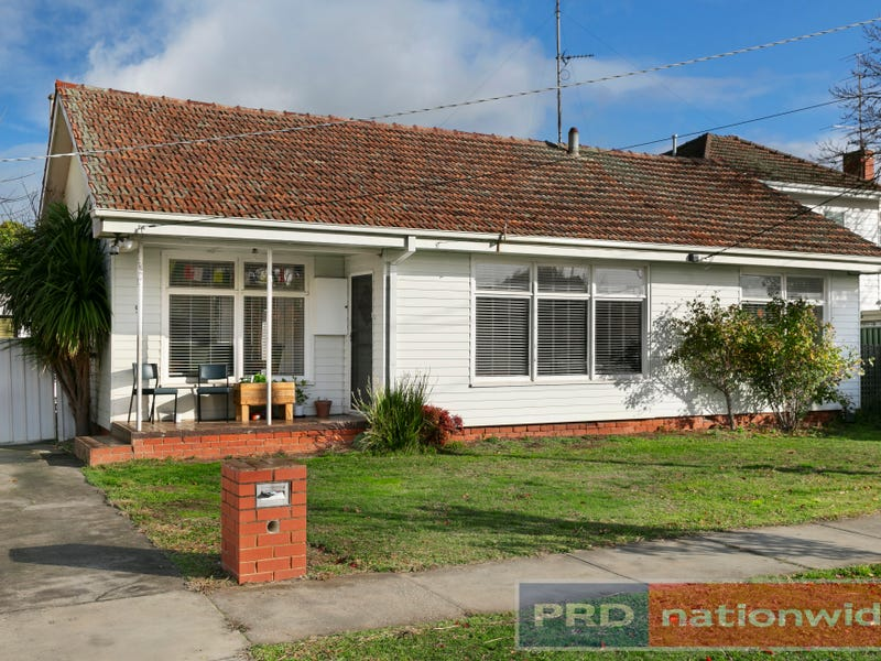9 Cuthberts Road, Alfredton, Vic 3350