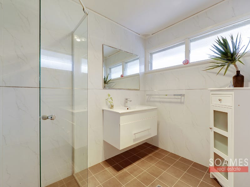 242 Galston Road, Hornsby Heights, NSW 2077