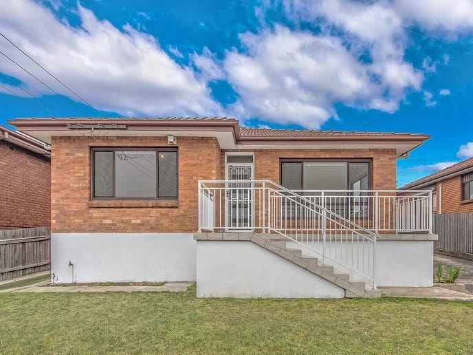 54 Weringa Avenue, Lake Heights, NSW 2502