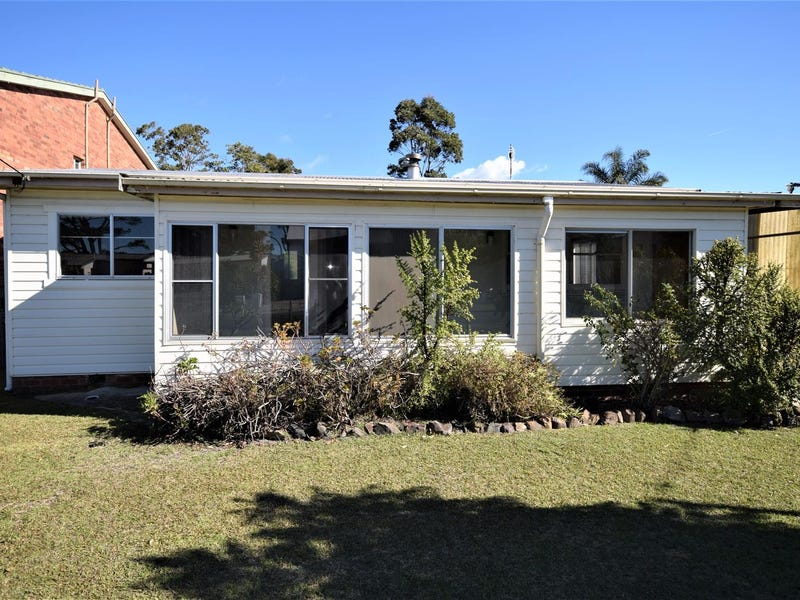 72 Adelaide Street, Greenwell Point, NSW 2540