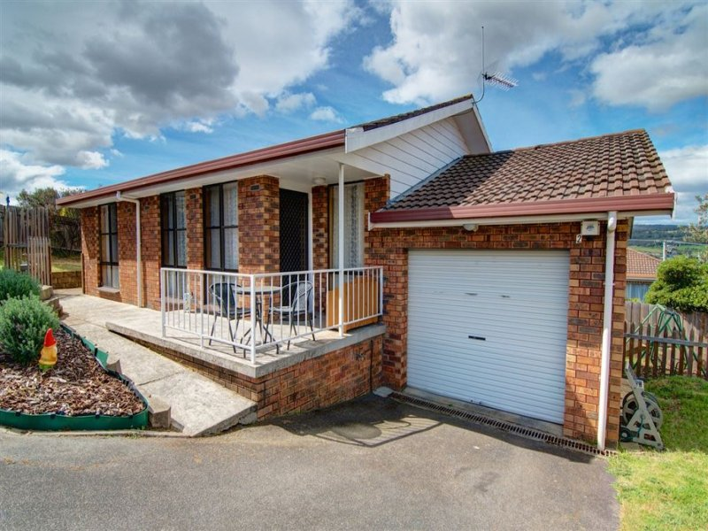2/21 Montgomery Court, Norwood, Tas 7250