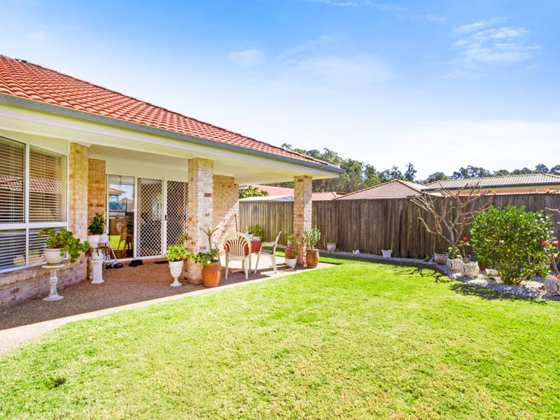 8 Reid Place, Banora Point