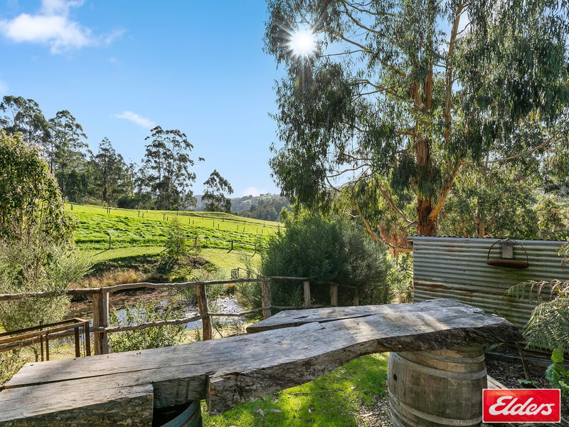 215 GRIGGS ROAD, Hallston, Vic 3953