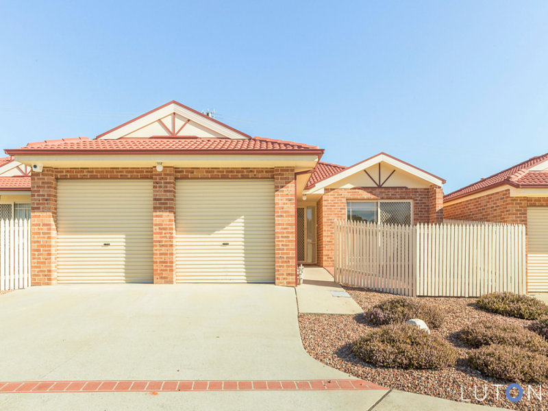 2/16 Telopea Place, Queanbeyan West, NSW 2620