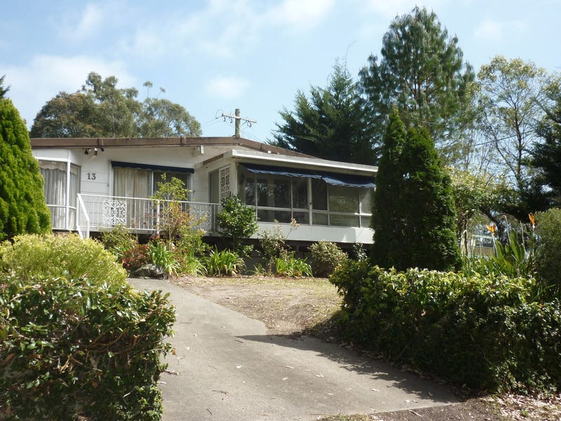 13 Boathaven Avenue, Basin View, NSW 2540