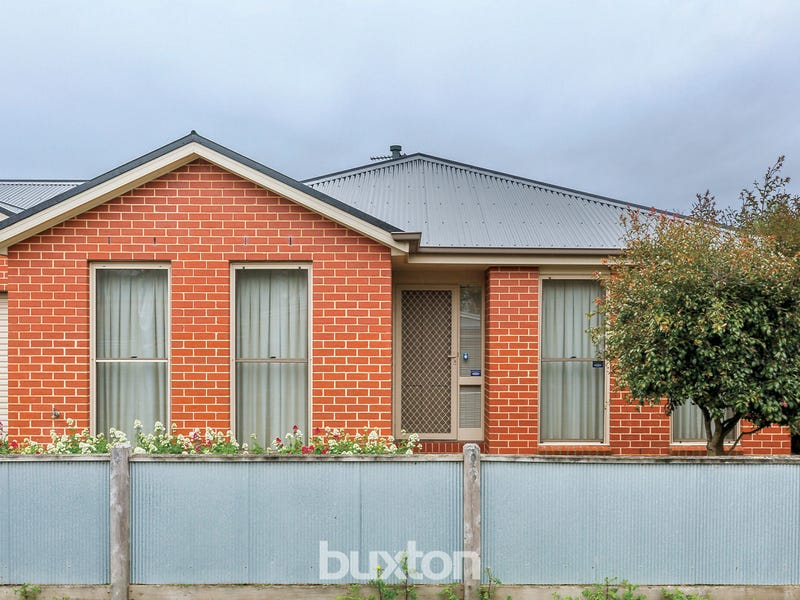 4 Watermans Place, Ballarat Central, Vic 3350