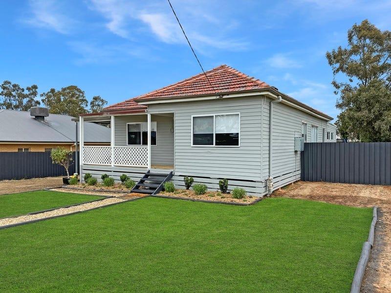 20 Bruce Street, Coolamon, NSW 2701