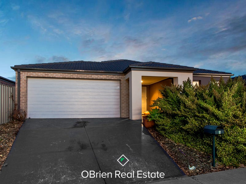5 Stately Drive, Cranbourne East, Vic 3977