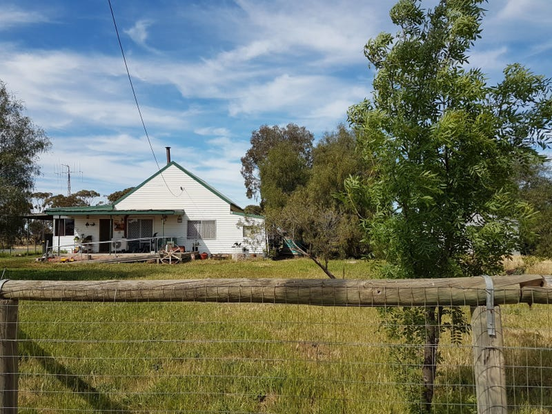 1 - 3 BIRCHIP ROAD, Nullawil, Vic 3529