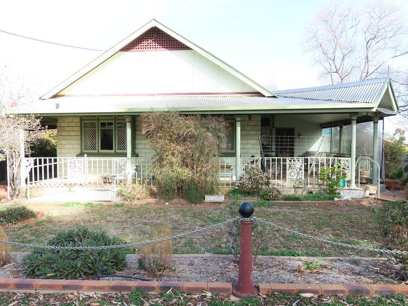 108 Derribong Street, Peak Hill, NSW 2869