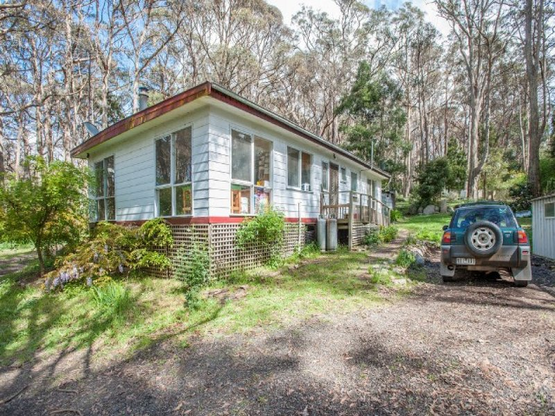 18 Long  Ryans Road, Benloch, Vic 3435