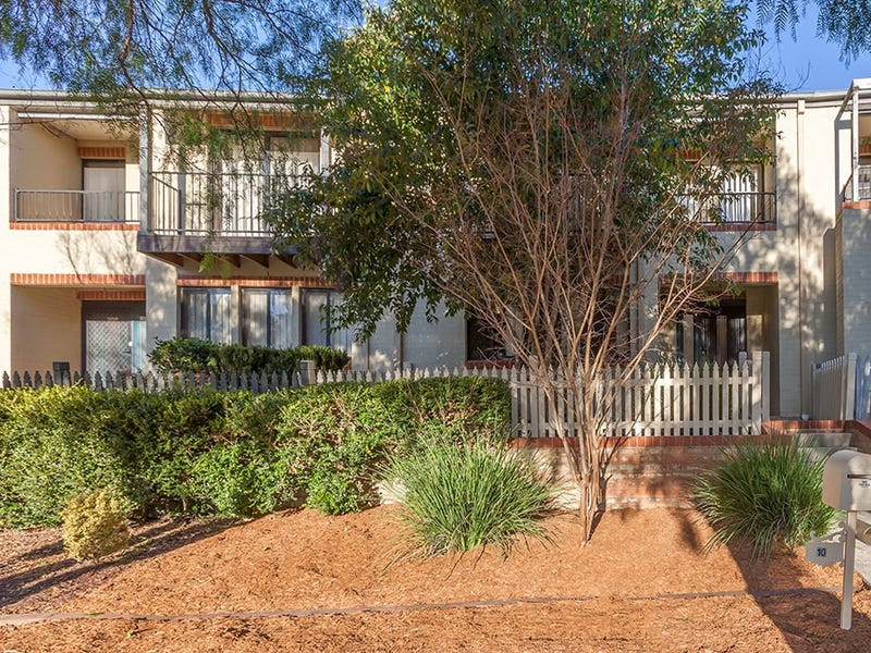 10/10a Pickets Place, Currans Hill, NSW 2567
