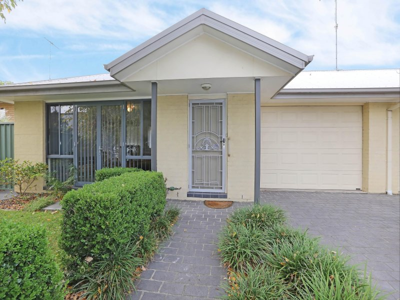 1/38 Paget Street, Richmond, NSW 2753