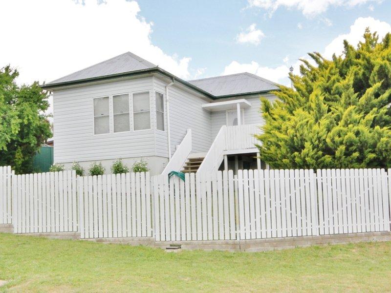 12 Henderson Street, West Bathurst, NSW 2795
