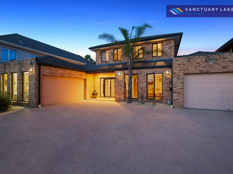 6 Sandy Point Road, Sanctuary Lakes, Vic 3030