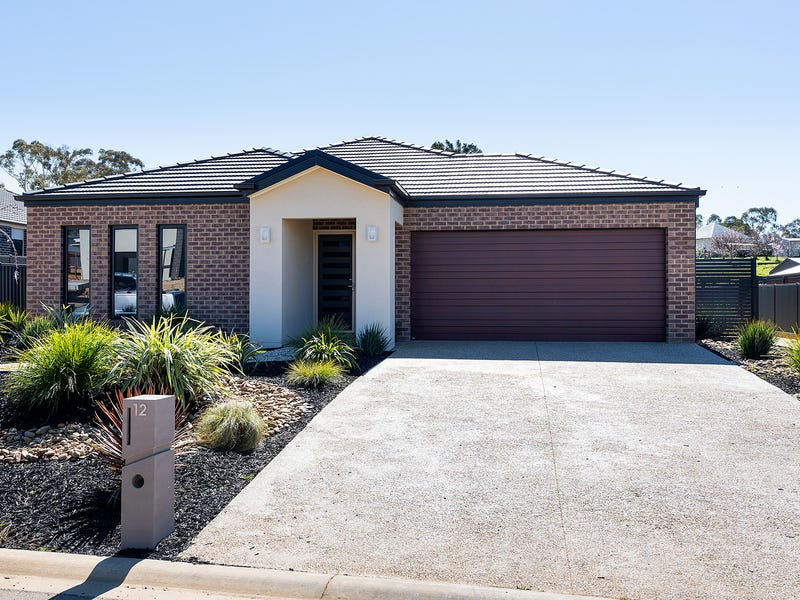 12 Carloway Drive, Castlemaine, Vic 3450
