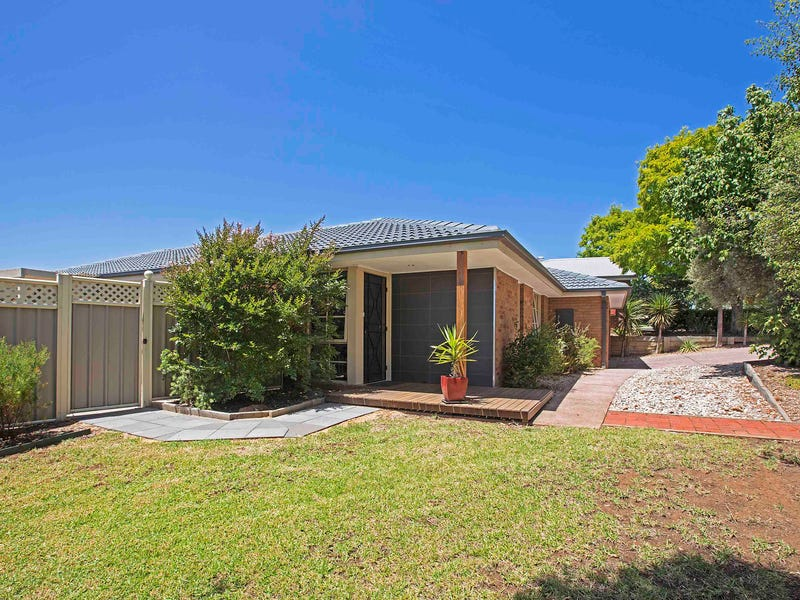 3 Bordeaux Drive, Waurn Ponds, Vic 3216