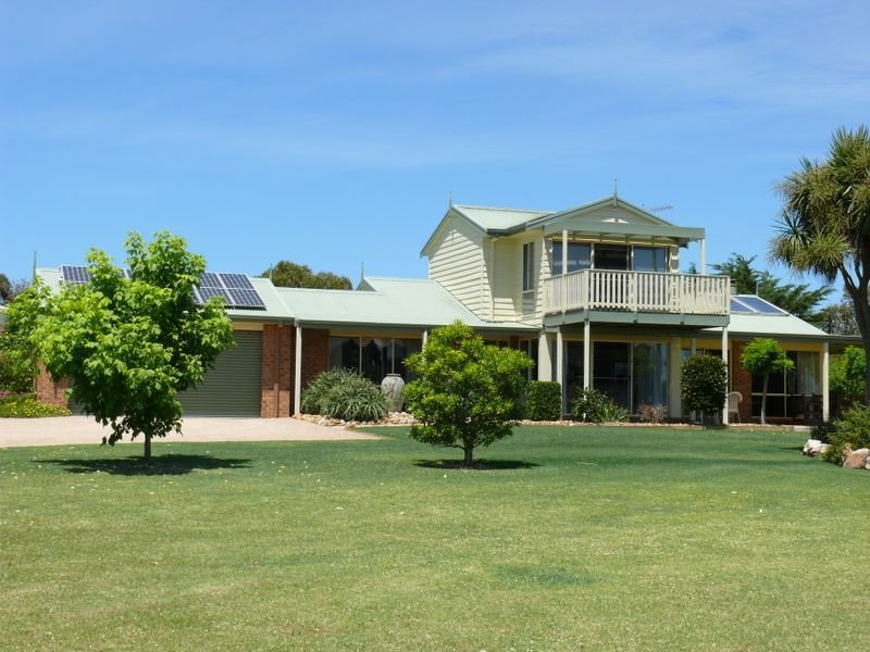 5 Simpsons Drive, Newlands Arm, Vic 3875