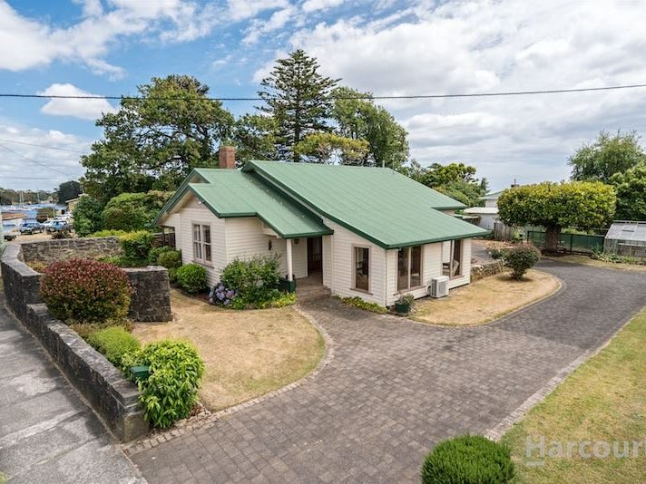 8 Old Bass Highway, Wynyard, Tas 7325
