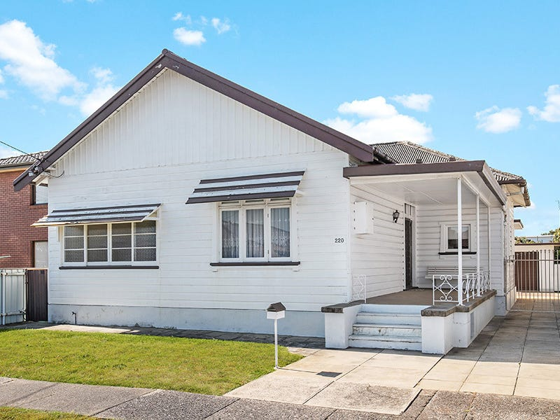 220 Kemp Street, Hamilton South, NSW 2303