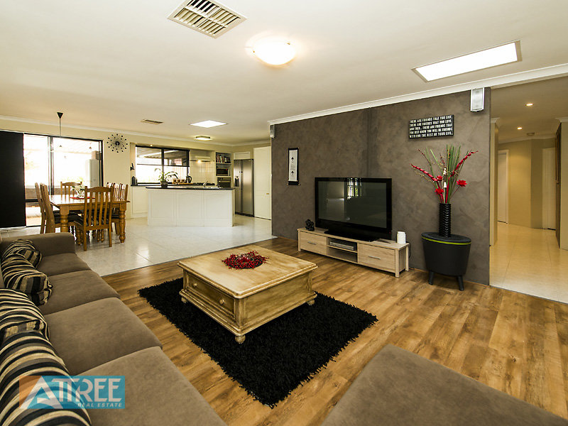 26 mettler court canning vale wa 6155 property details for E kitchens canning vale