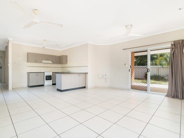 1/8 Priore Court, Moulden