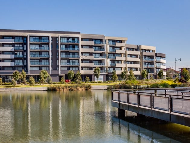448/73 Lake Street, Caroline Springs, Vic 3023