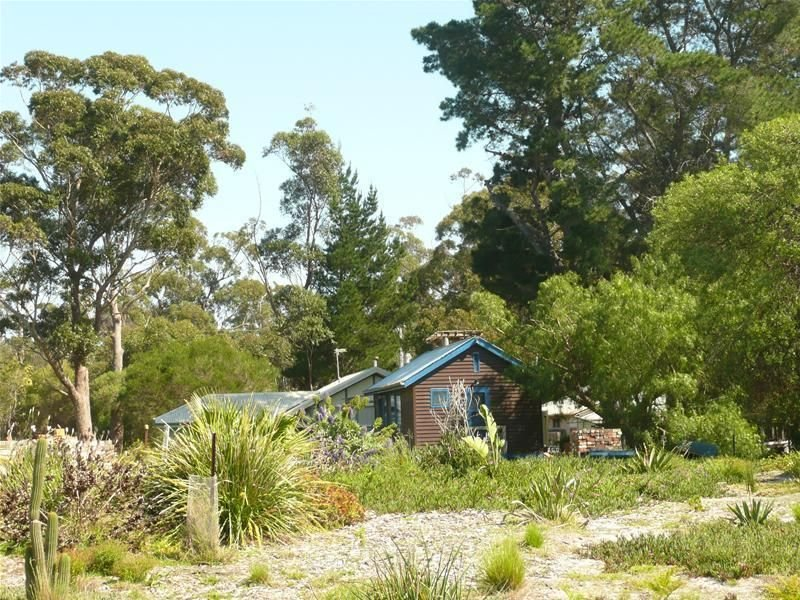 42 Sanctuary Court, Raymond Island, Vic 3880