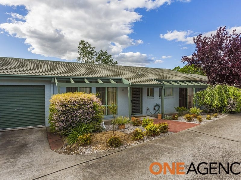 22/4 Redwood Avenue, Jerrabomberra, NSW 2619