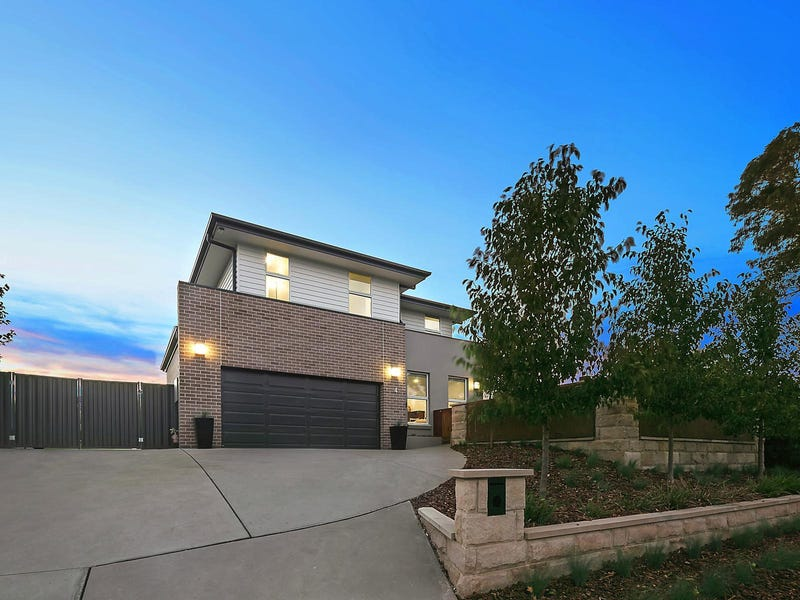 4 Charteris Crescent, Chifley, ACT 2606