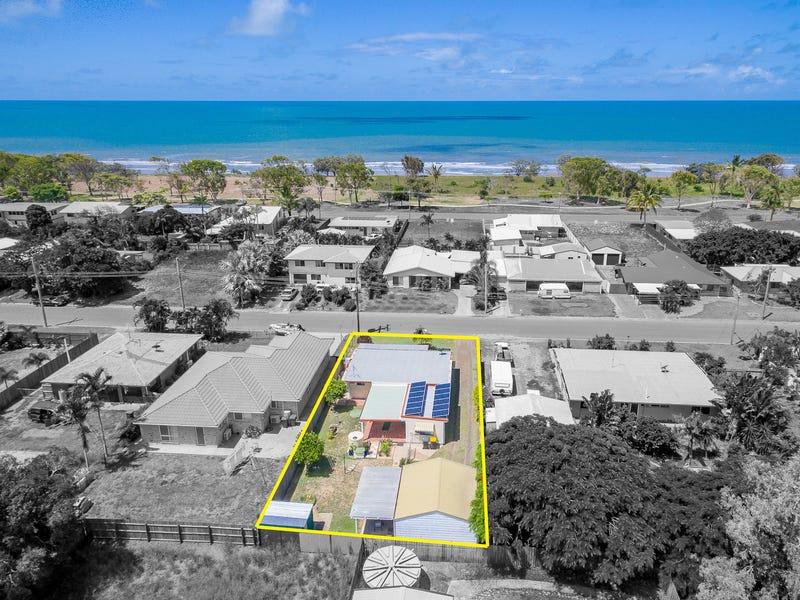 19 Palm Court, Moore Park Beach, Qld 4670