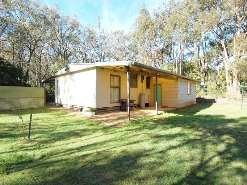 44 Rowlers Road, Snake Valley, Vic 3351