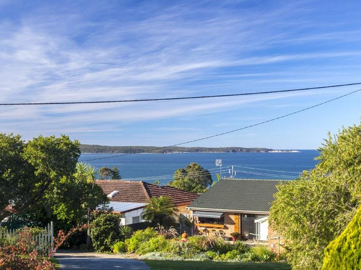 38 Ocean Road, Batehaven, NSW 2536