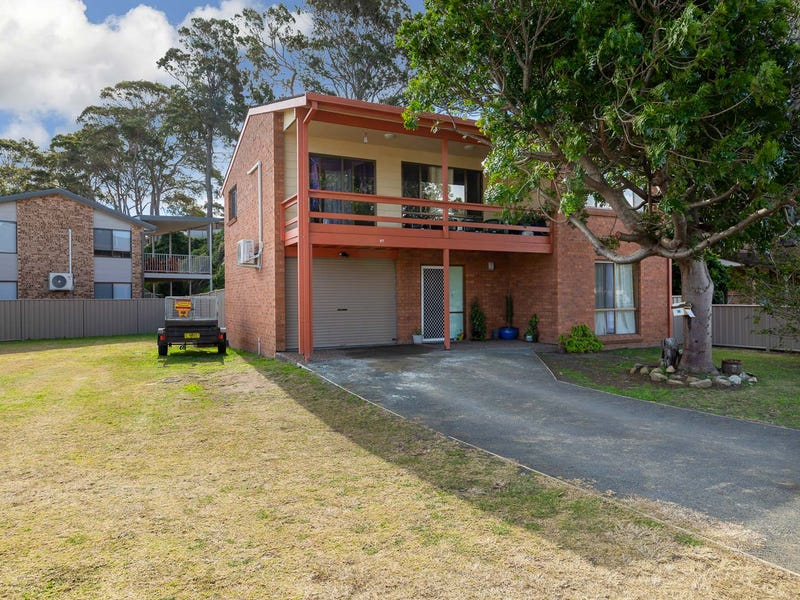 1 Timbara Crescent, Surfside, NSW 2536