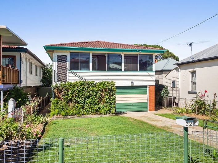 32 Connaught Street, Sandgate, Qld 4017