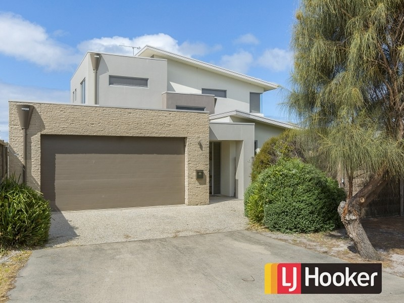 1 Blue Water Circle, Cape Paterson, Vic 3995