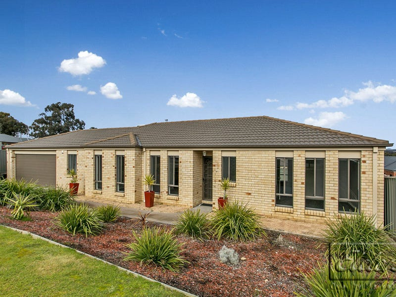 7 Trickett Court, Kangaroo Flat, Vic 3555