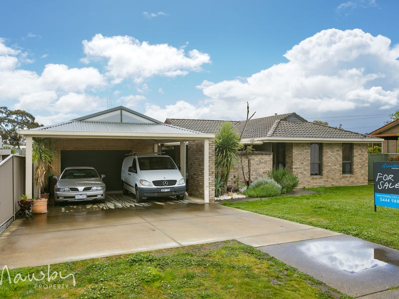 8 Wallaby Avenue, Kangaroo Flat, Vic 3555
