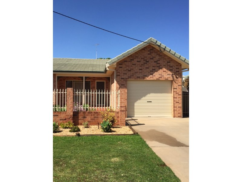 2/45 Bowditch Place, Griffith, NSW 2680