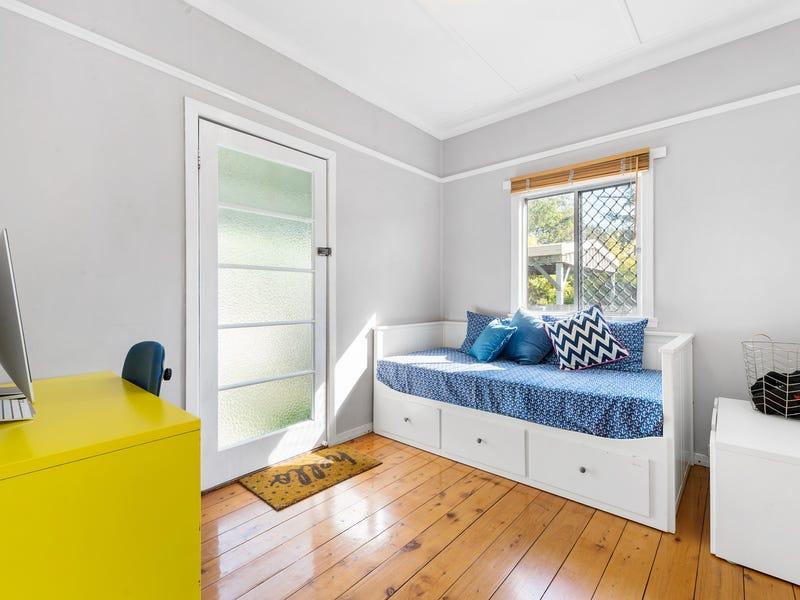 44 Lower Brighton Terrace, Sandgate, Qld 4017