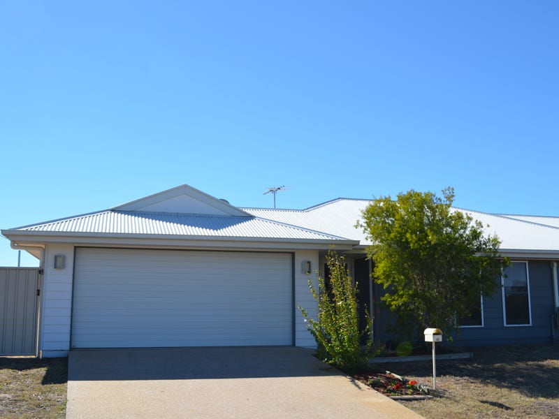 1/40 Lakeside Drive, Emerald