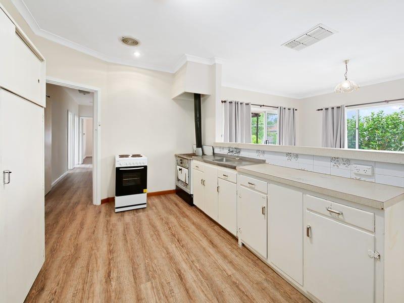 10 Berehaven Avenue, Thornlie, WA 6108
