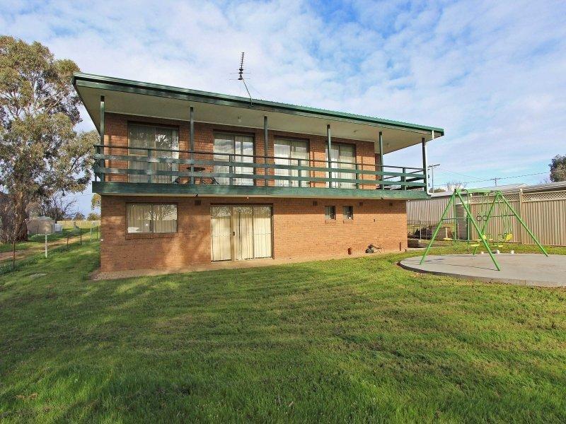 66 Lakeside Boulevard, Heathcote, Vic 3523