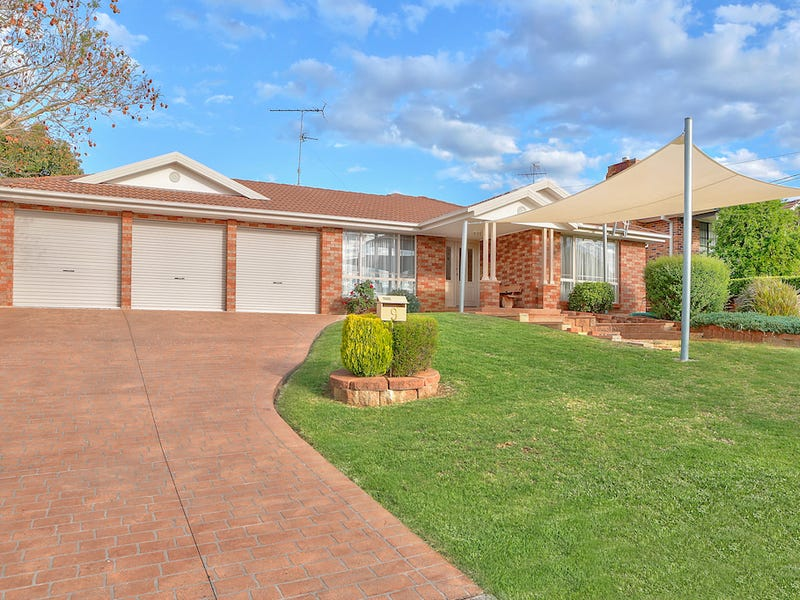 9 Marsh Place, The Oaks, NSW 2570