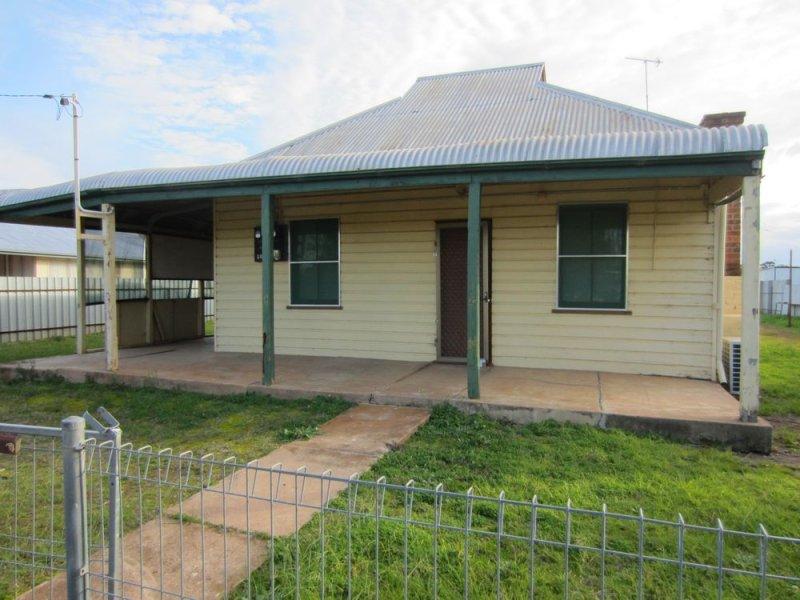 32 Robertson Street, Barmedman, NSW 2668